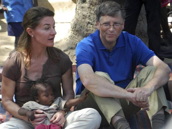Melinda e Bill Gates  nello Stato indiano del  Bihar (Afp)