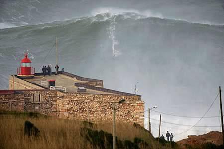 Gelombang Tsunami?