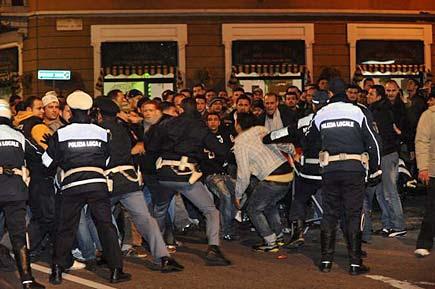 Tafferugli in via Padova a Milano