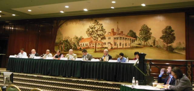美國維吉尼亞州醫學協會於25日~27日年會期間通過13-207號「制止中共活摘器官」議案。圖為會議現場。(記者董韻/攝影)