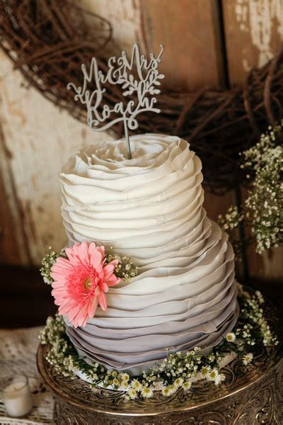 Sweet Treets Bakery   Austin, TX Wedding Cake