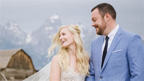 Beth Behrs and Michael Gladis Are Married! See Their