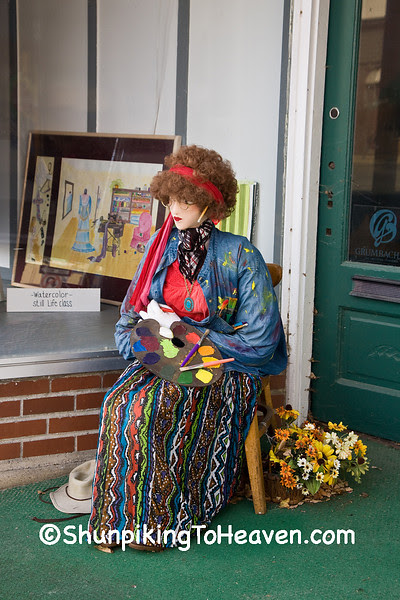 Linda, the Mannequin Artist, Ackley, Iowa