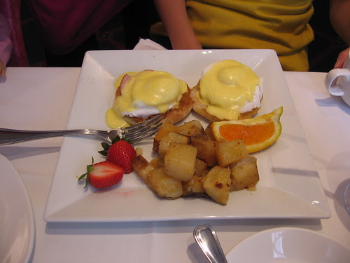 Eggs benedict at AG Cafe