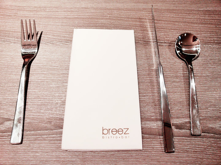 breez bistro bar at grand mercure roxy hotel