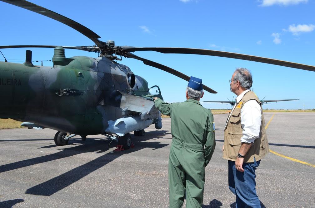 Ministro da Defesa Raul Jungmann visitando Vilhena (Foto: Eliete Marques/G1)