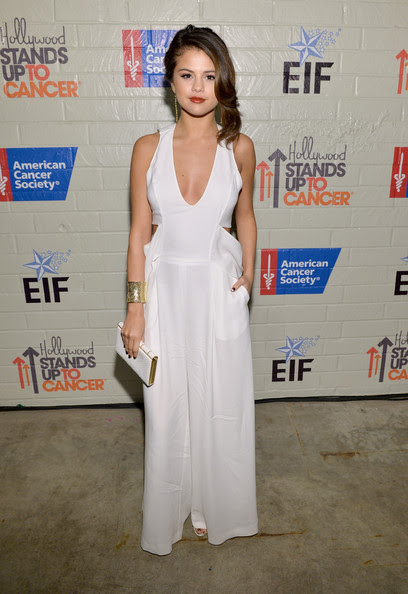 Selena Gomez - Hollywood Stands Up To Cancer Presented By The Entertainment Industry Foundation And Event Chairs Jim Toth And Reese Witherspoon Benefiting Stand Up To Cancer - Red Carpet