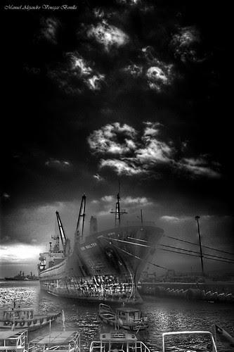 Puerto de Valparaíso by Alejandro Bonilla
