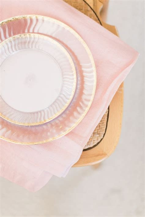 17 Best ideas about Plastic Plates on Pinterest   Wedding