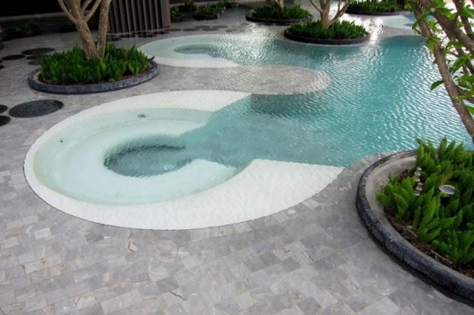 the hilton swimming area