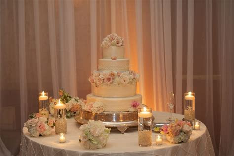 37 Creative Wedding Cake Table Decorations   Table