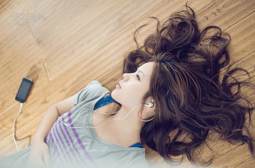 http://s2.favim.com/orig/34/girl-hair-korean-girl-ulzzang-Favim.com-274595.jpg