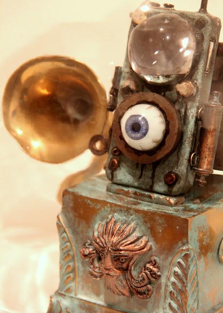 """""""Eye Pod"""" - by Dr Grymn"""