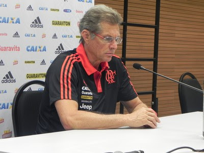 Oswaldo de Oliveira coletiva Flamengo (Foto: Chandy Teixeira)