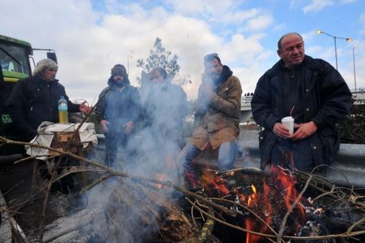 Αγρότες: Η κακοκαιρία ανοίγει τα μπλόκα στην Βόρεια Ελλάδα