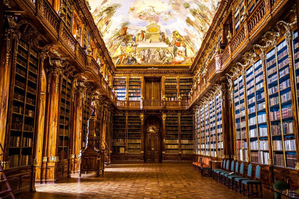 A mais bela biblioteca do mundo fica em Praga 08