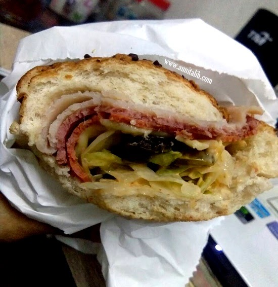 SANDWICH SUBWAY KEGEMARAN