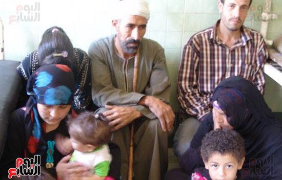 الأسرة المضربة عن الطعام (2)