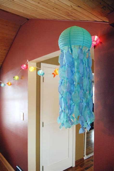 Jellyfish Lanterns   going to use this idea to make a