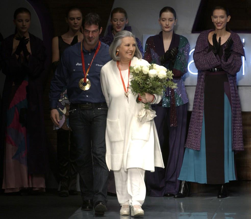 Laura Biagiotti durante desfile em 2006 (Foto: AP Photo/Alberto Pellaschiar)