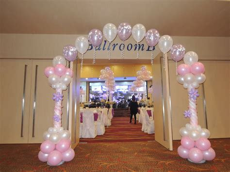 Weddings . Instant Photobooths . Balloon Decorations