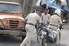 Mumbai Police .. in a Dilemma by firoze shakir photographerno1