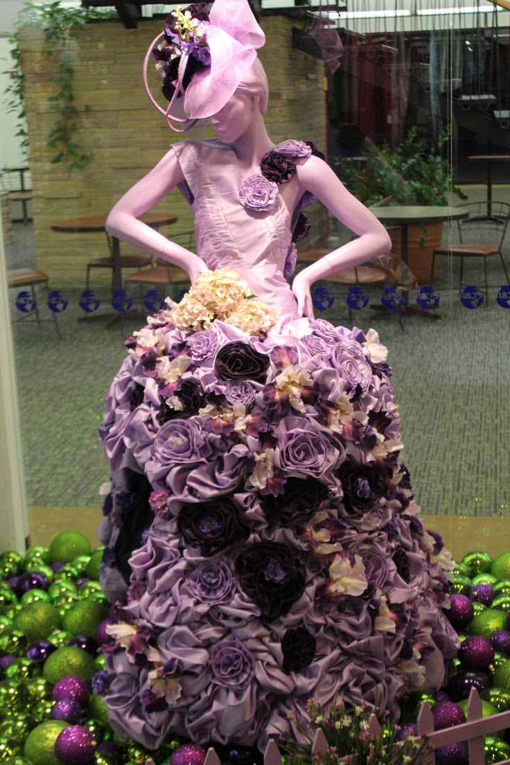 Faux Dupioni flower dress. - MannequinMadness has distressed mannequins that you can use for art projects like this