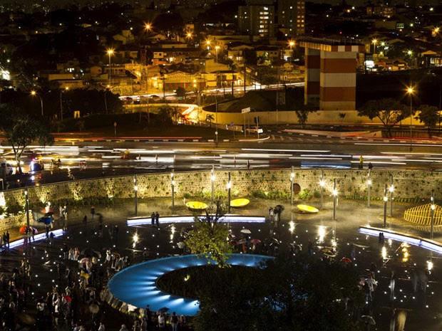 Vista geral da Praça Memorial 17 de julho (Foto: Eduardo Knapp /Folhapress)