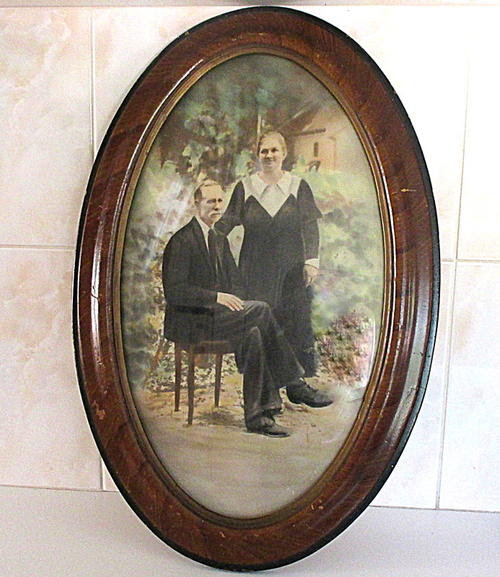 Frames Mirrors A Large Antique Oval Frame With Convex Glass With