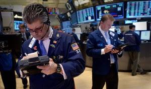 Wall Street abre al alza a la espera de los datos de la confianza del consumidor. EFE