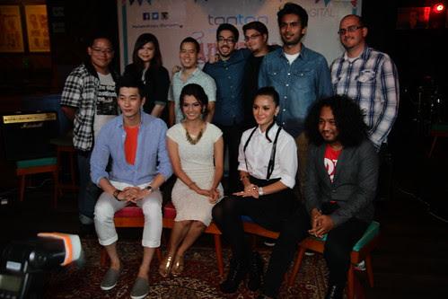 Group photo at Autumn Di Hatiku press conference 2