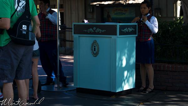 Disneyland Resort, Disneyland, New Orleans Square, DAS, Podium