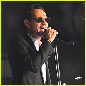 Marc Anthony Returns to the Stage After His Mother's Death