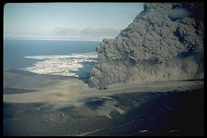 "English: ""Phreatomagmatic eruption column..."