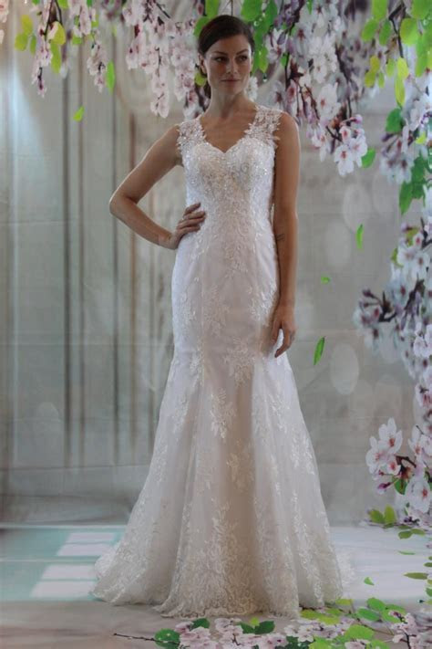 Strap Lace Sweetheart Neckline Bridal Gown, Sexy Back Fit