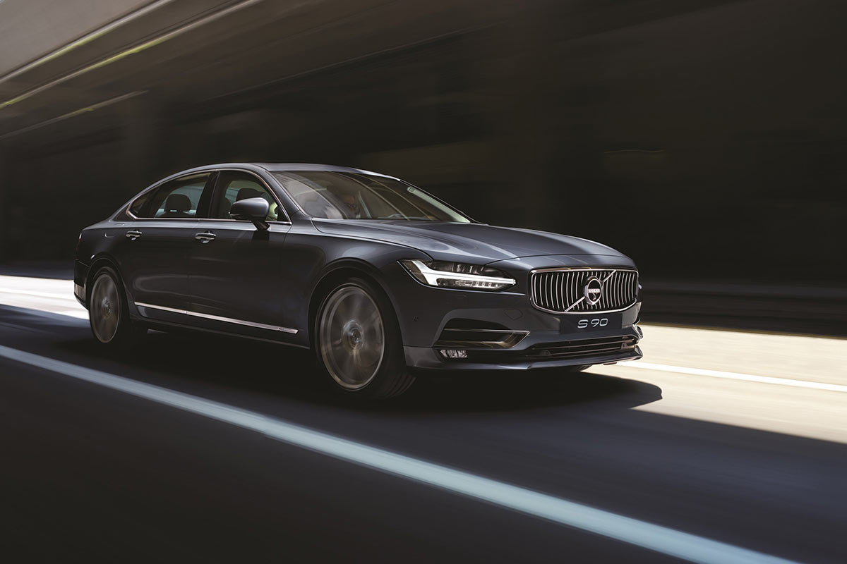 all volvo cars will be electric or hybrid2019