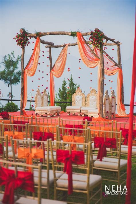 Would You Try An Uncovered Mandap? Here Are Our Favourites