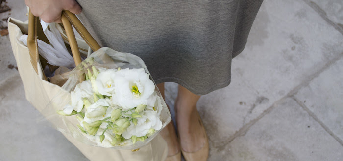 august outfit post. farmers market outfit, flower shopping, summer weekends, gray and white dress, layered necklaces, curls, dash dot dotty, nude pointy flats