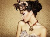 Retrato retrô de uma linda mulher. estilo vintage — Fotografia Stock