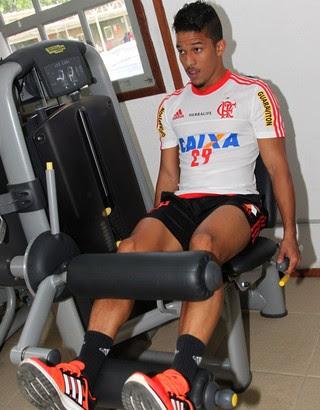 Nixon treino Flamengo  (Foto: Gilvan de Souza/Flamengo)
