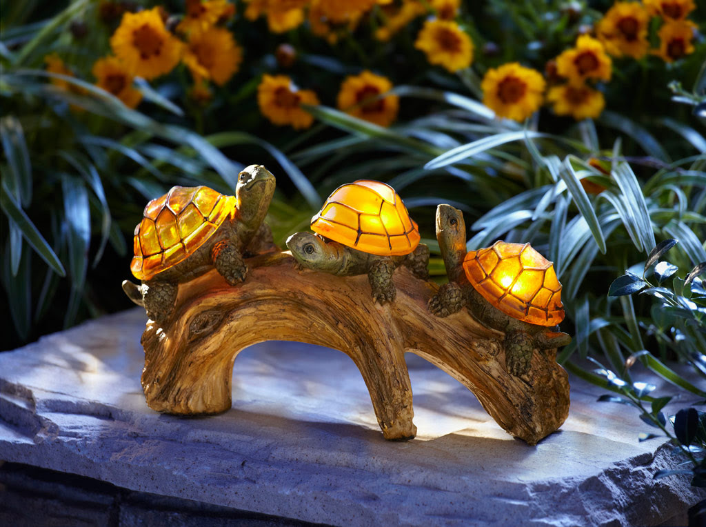Moonrays 91515 Turtles on a Log Solar-Powered Outdoor LED ...