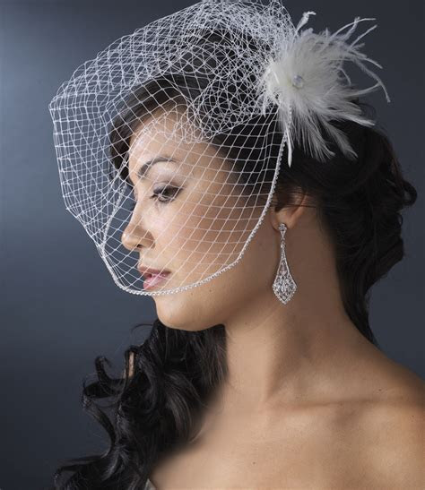 * Light Ivory Bridal Feather Hair Fascinator Clip 440 wit