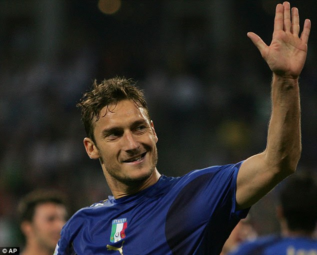 Francesco Totti does not believe that striker Mario Balotelli will ever improve his attitude