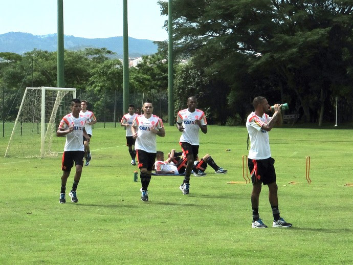 Jogadores Treino do Flamengo (Foto: Ivan Raupp)