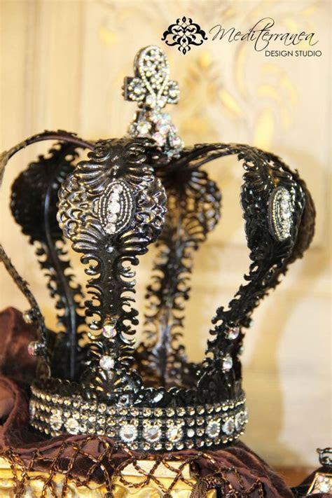 1000  ideas about Crown Decor on Pinterest   Hobby lobby