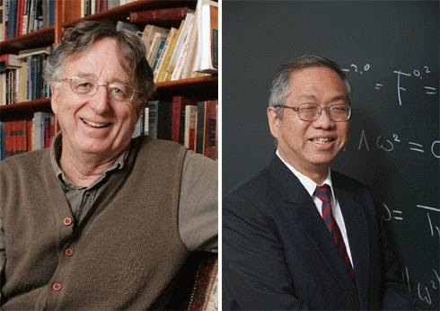 Dennis P. Sullivan và Shing-Tung Yau cùng nhận Wolf Toán học 2010.