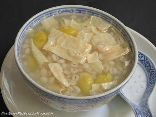 Barley and beancurd dessert with Ginkgo