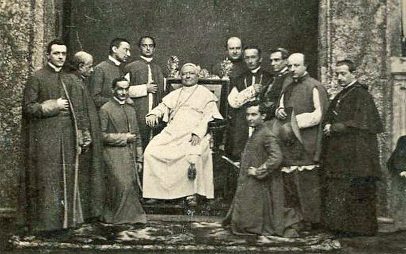 File:Pope-pius-ix-court.jpg