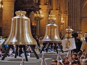 Bênção dos Sinos da Catedral de Notre-Dame (Paris, 2013).