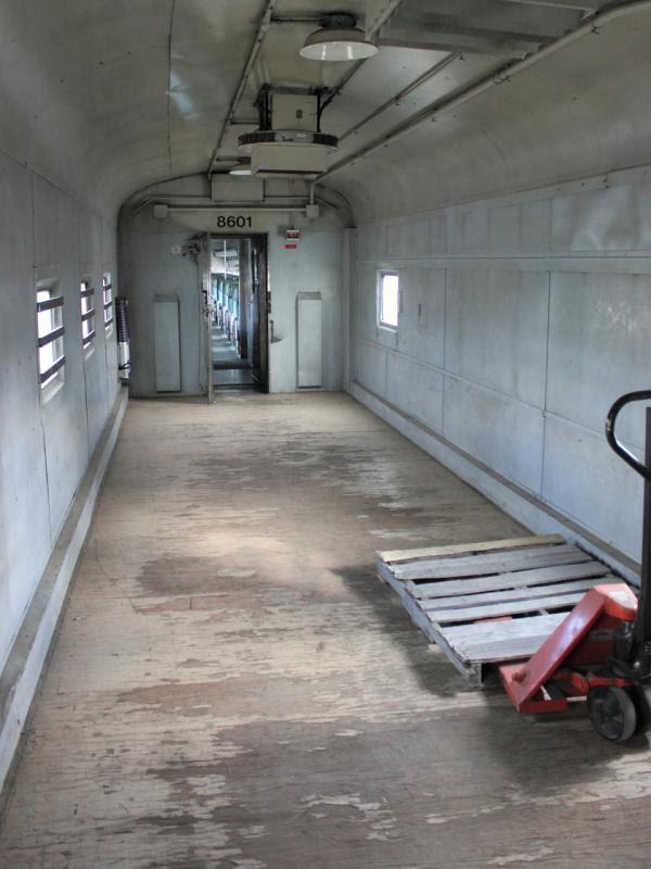 Interior of baggage car VIA 8601 in Winnipeg 2011/10/14